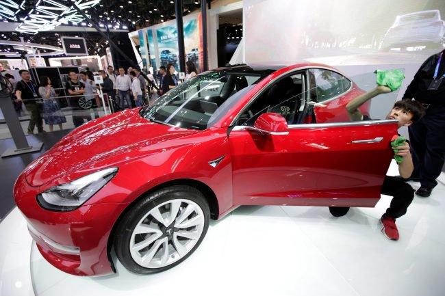 Фото - Tesla переманивает руководителей из Amazon, Apple и Snap