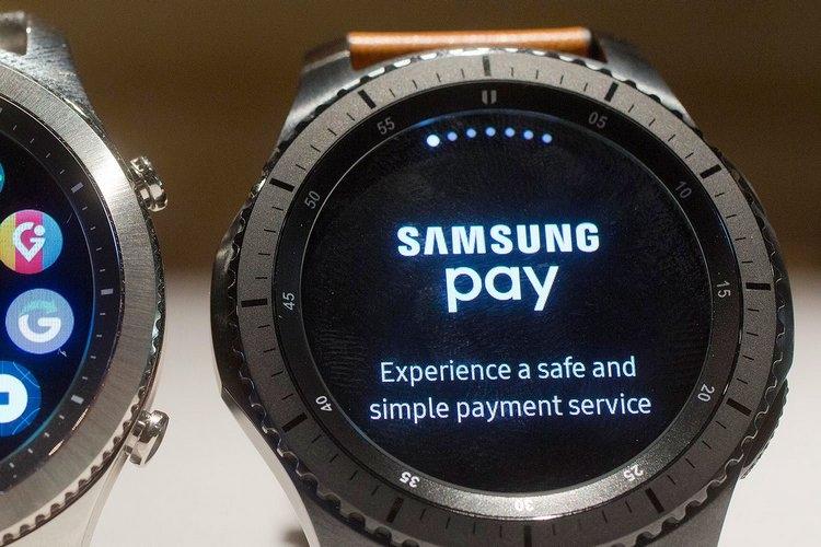 Фото - Российские банки активно готовятся к запуску сервисов Apple Pay и Samsung Pay»