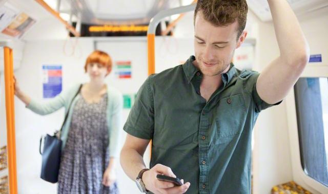 Фото - В Москве заработала система оплаты проезда в транспорте при помощи смартфона»
