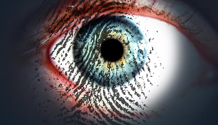 Фото - Российские банки внедрят идентификацию клиентов по сетчатке глаза»