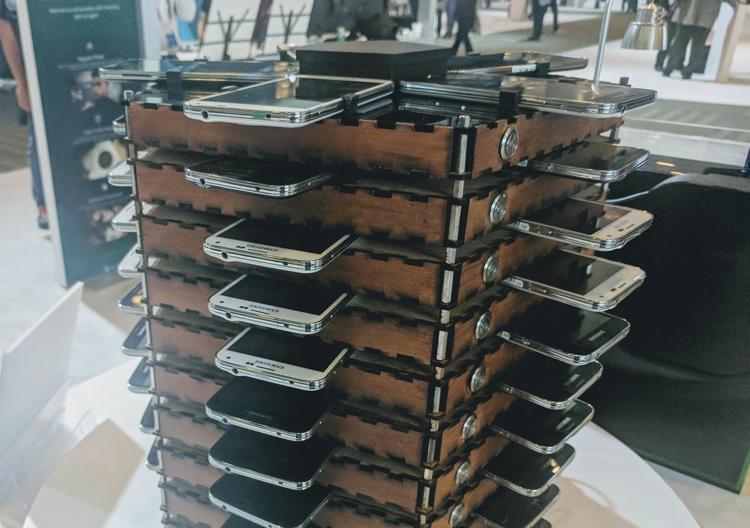 Фото - В Samsung создана майнинг-ферма на основе смартфонов Galaxy S5″