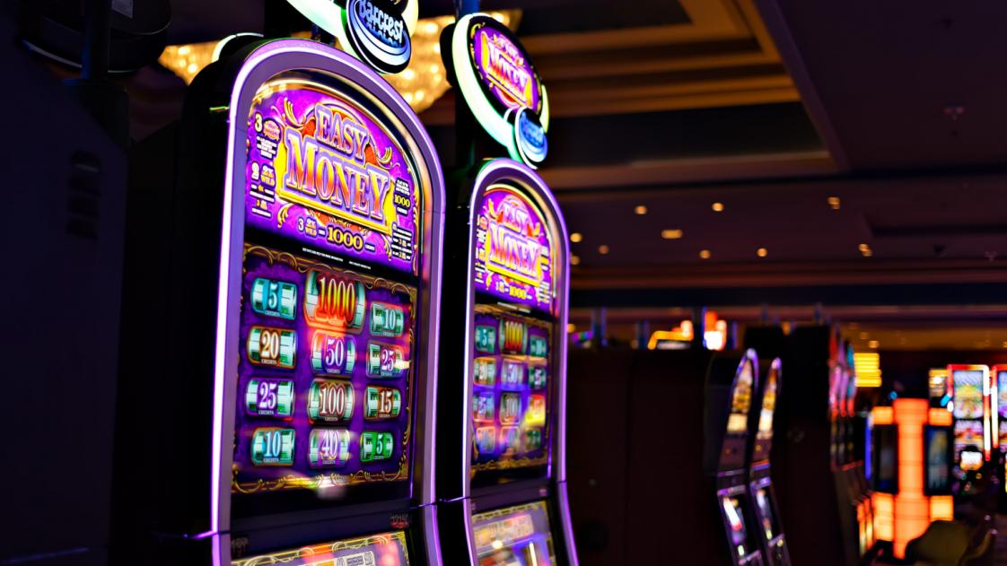 Фото - 50 000 рабочих в казино Лас-Вегаса собираются бастовать против роботов