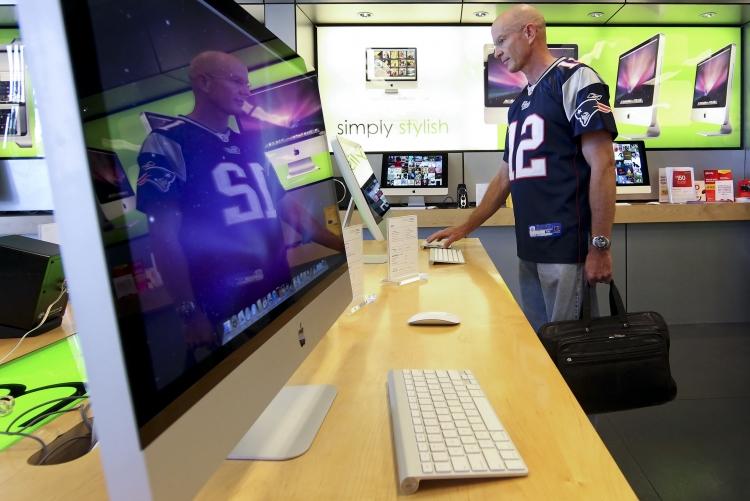 Фото - Рекордные продажи компьютеров обеспечили Apple самые большие доходы за год»